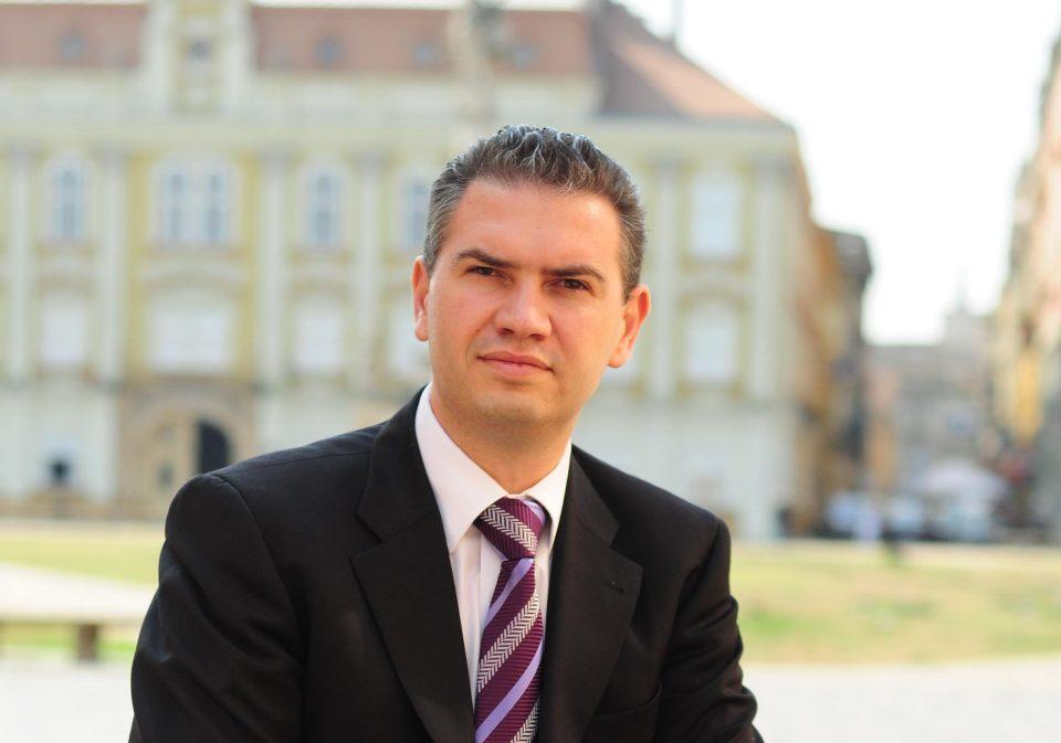 Legea alegerii primarilor în două tururi, adoptată prin asumarea răspunderii, spune vicepreședintele PNL Ben-Oni Ardelean