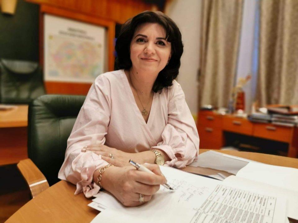 Monica Anisie, despre dezinsecție în școli