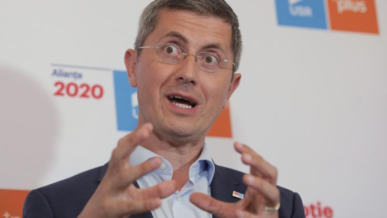"""Dan Barna susține alegerile anticipate și neagă un eventual """"blat """" PNL-PSD"""