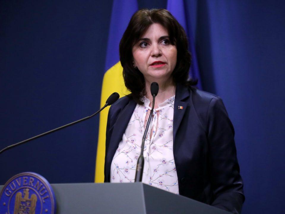Ministrul Educației nu consideră necesară închiderea școlilor din cauza coronavirusului. Argumentele Monicăi Anisie