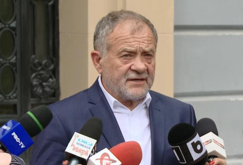 """Dumitru Buzatu a refuzat să poarte mască la ședința CJ Vaslui și a făcut scandal cu liberalii: """"Vreţi să ne luăm la bătaie?"""""""