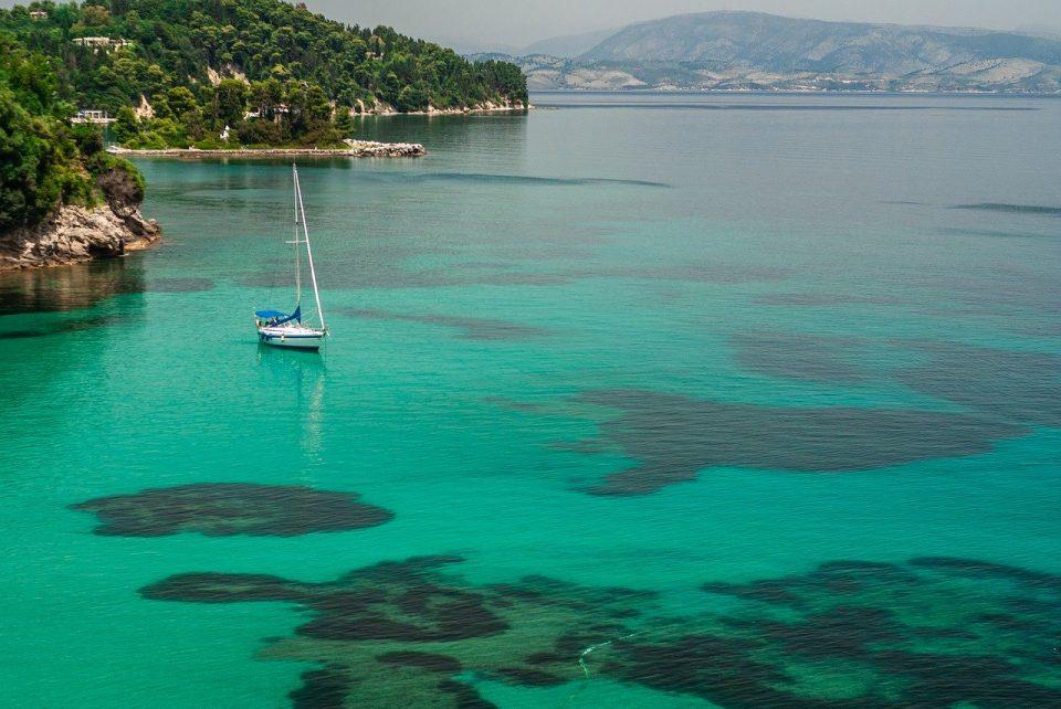 """Românii pot călătorii în Grecia în această vară. Țara noastră este selectată """"pe criterii epidemiologice"""""""