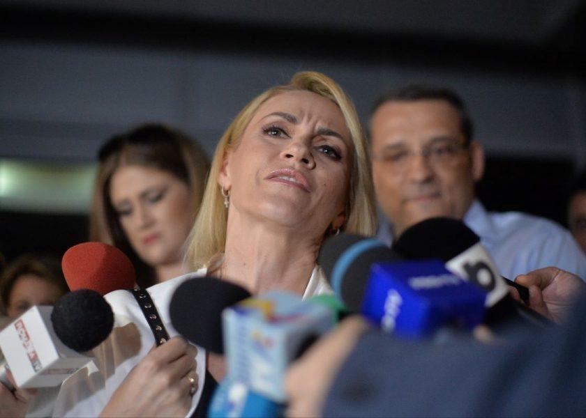 """Gabriela Firea propune programul """"Adoptă o statuie"""""""