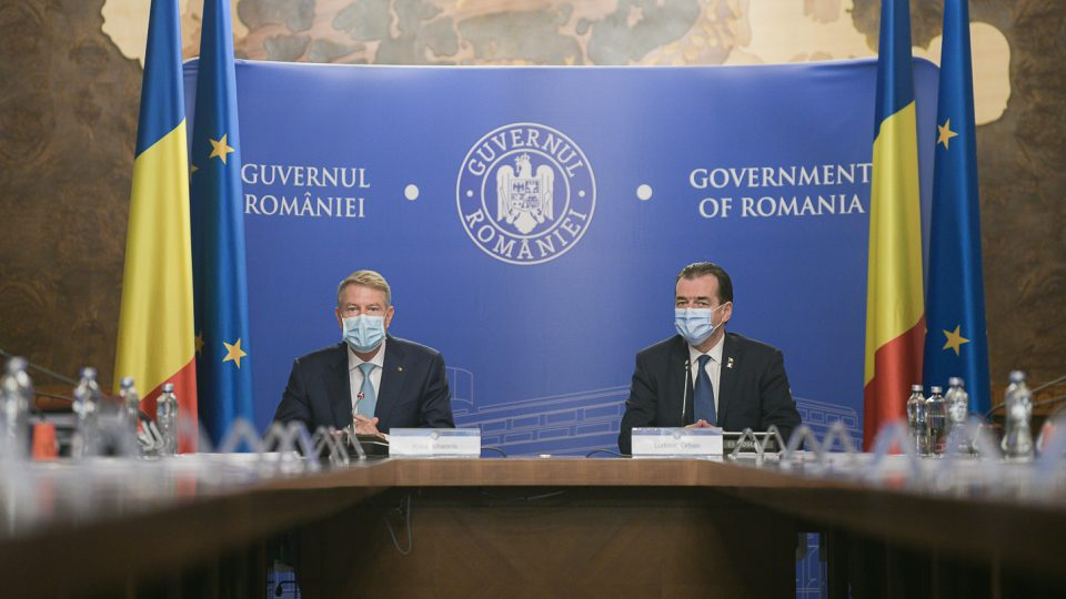 Klaus Iohannis a convocat la Cotroceni premierul și specialiștii în gestionarea epidemiei de COVID-19
