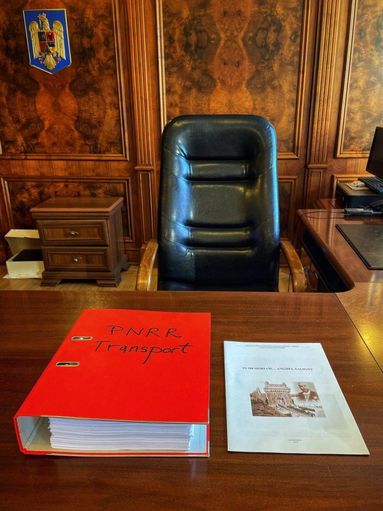 Protejatul lui Cîțu are birou nou